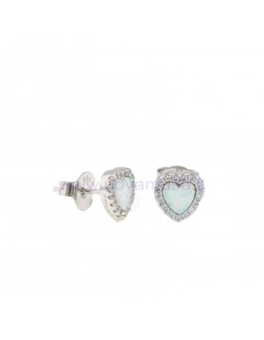 Orecchini al lobo cuore con pietra bianca opalescente in cornice di zirconi bianchi placcati oro bianco in argento 925